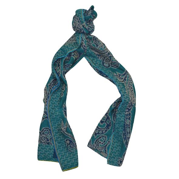 Echarpe motifs cachemire. SOLDES. SOLDES. SOLDES 8076c574463