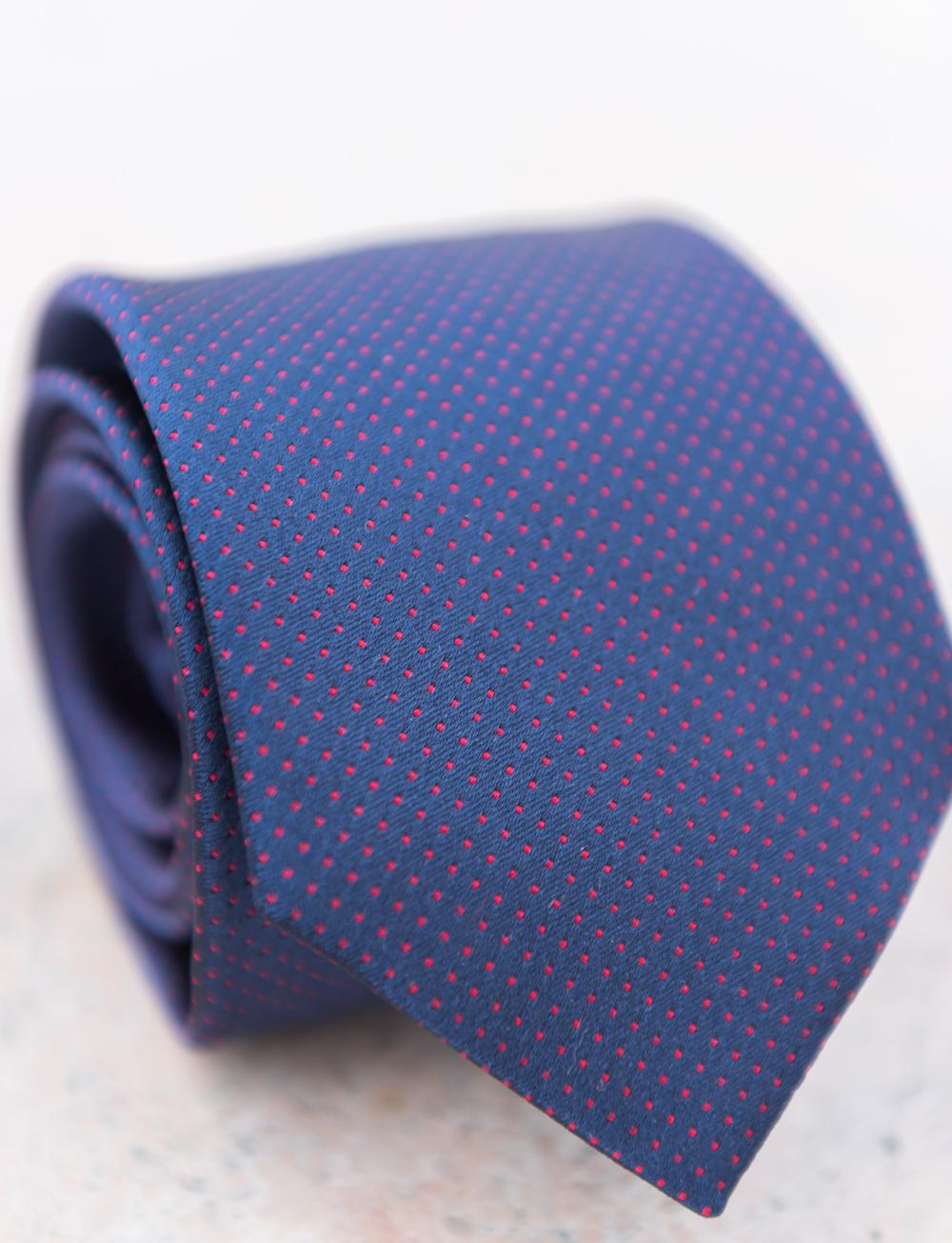 Cravate en soie à pois – bleu marine rouge. SOLDES. SOLDES. SOLDES.  CRAVATES CADOT AH17 37 a55cd52789f